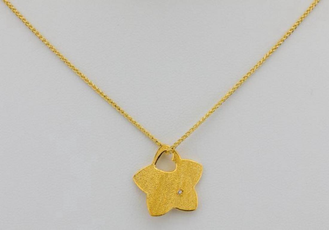 "24K Textured Star Pendant W/Diamond on 30"" Chain"