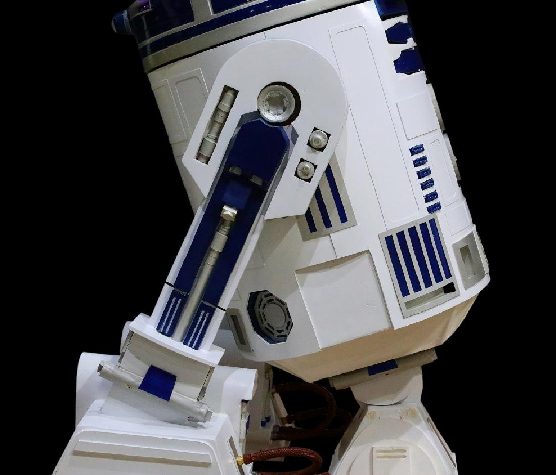 Star Wars Life Size Remote Controlled R2D2 - 6