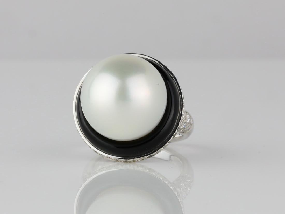 16mm South Sea Pearl, 1.15ctw Diamond & 18K Ring