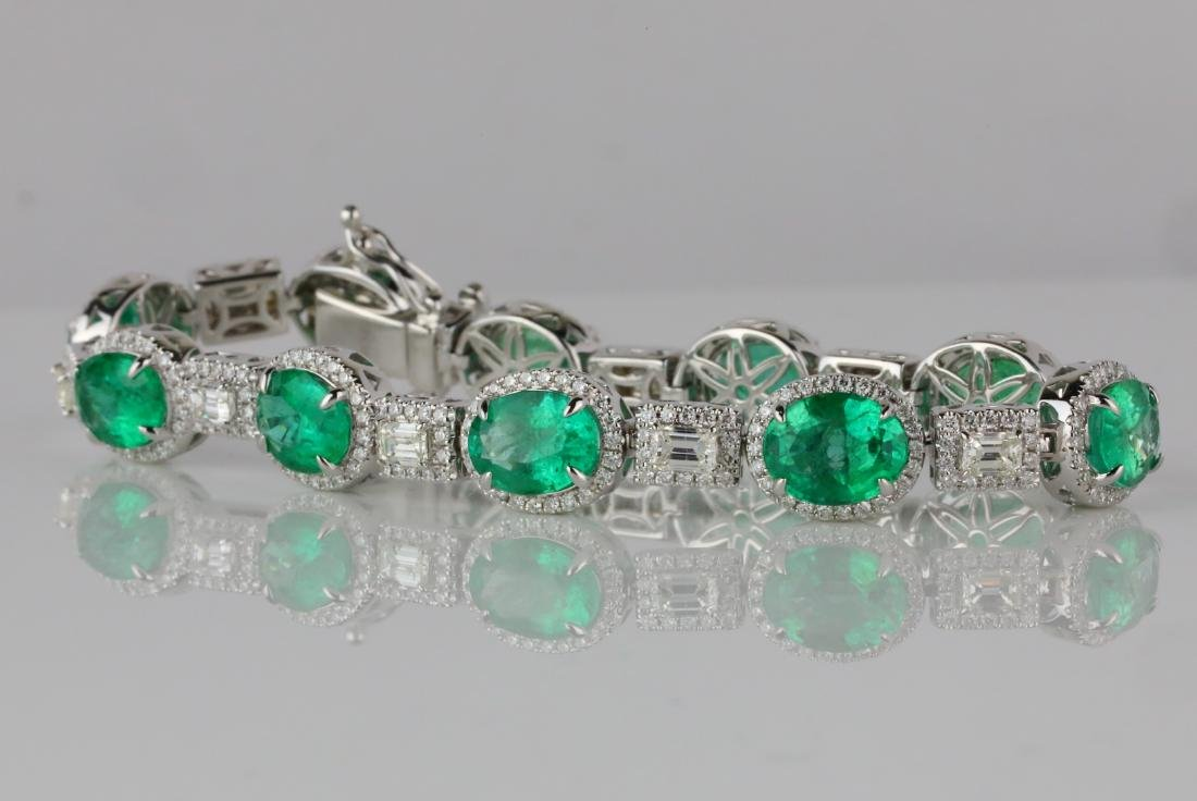 16ctw Emerald, 4ctw Diamond & 18K Bracelet - 3