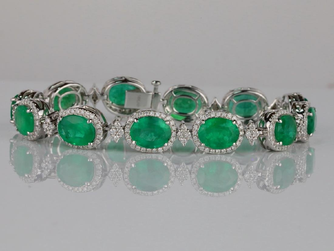 20ctw Emerald, 2ctw VS1-VS2/G-H Diamond 18K Bracelet