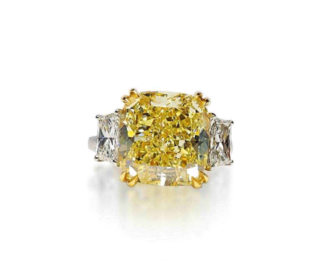 12.39ct GIA VVS2 Fancy Yellow Diamond Plat. Ring - 2