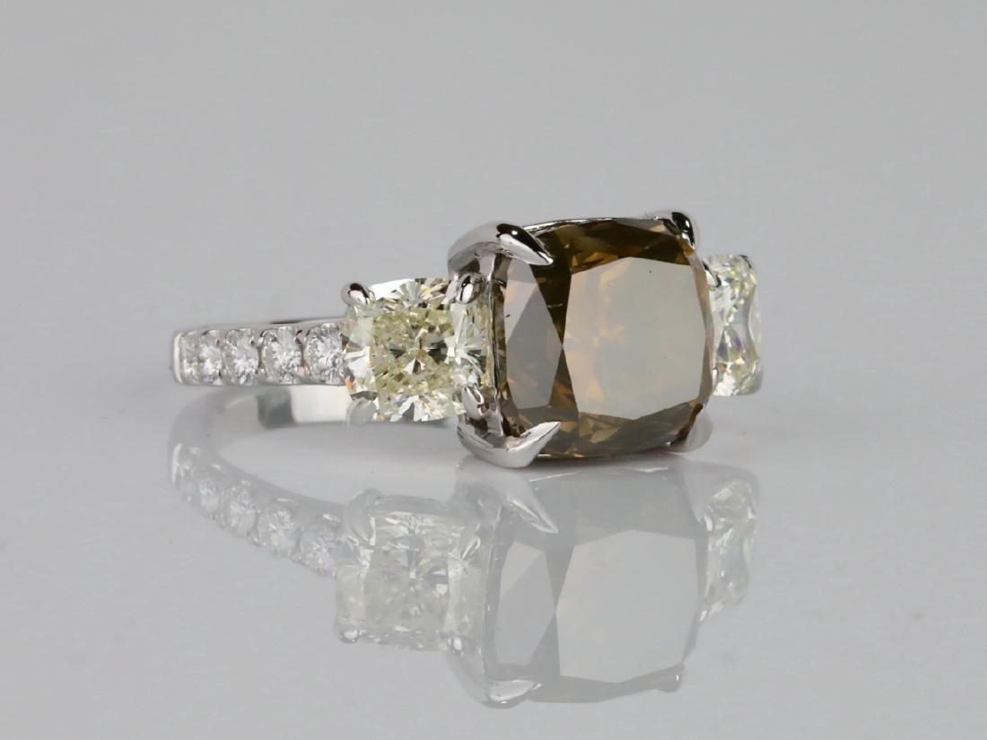 7.53ctw Greenish Brown & White Diamond 18K Ring - 4