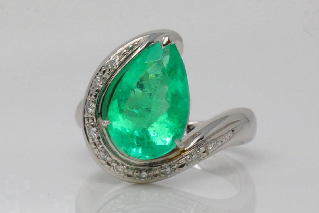 3.00ct Emerald, Diamond & Platinum Ring