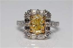 486ctw Fancy Light YellowWhite Diamond 18K Ring