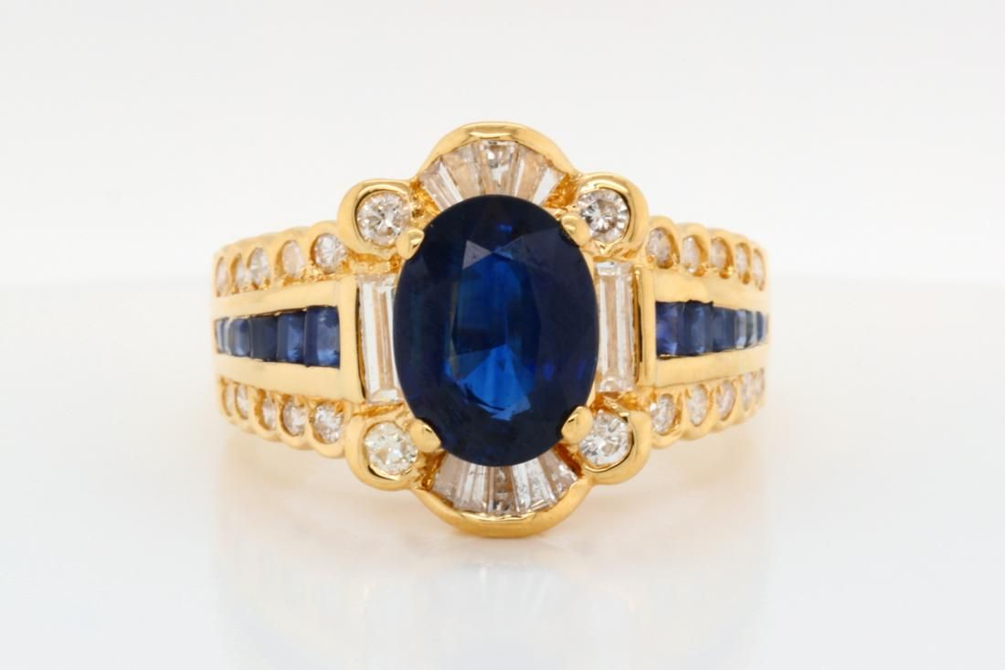 2.90ctw Blue Sapphire, 0.75ctw Diamond 18K Ring