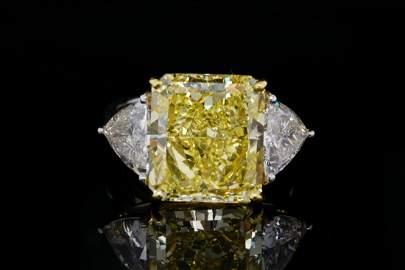 10.23ct GIA VVS1 Fancy Yellow Diamond Plat/18K Ring