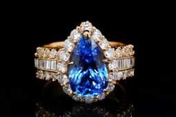 460ct Tanzanite 170ctw Diamond 18K Ring