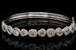7.50ctw VS2-SI1 Yellow & White Diamond 18K Bangle