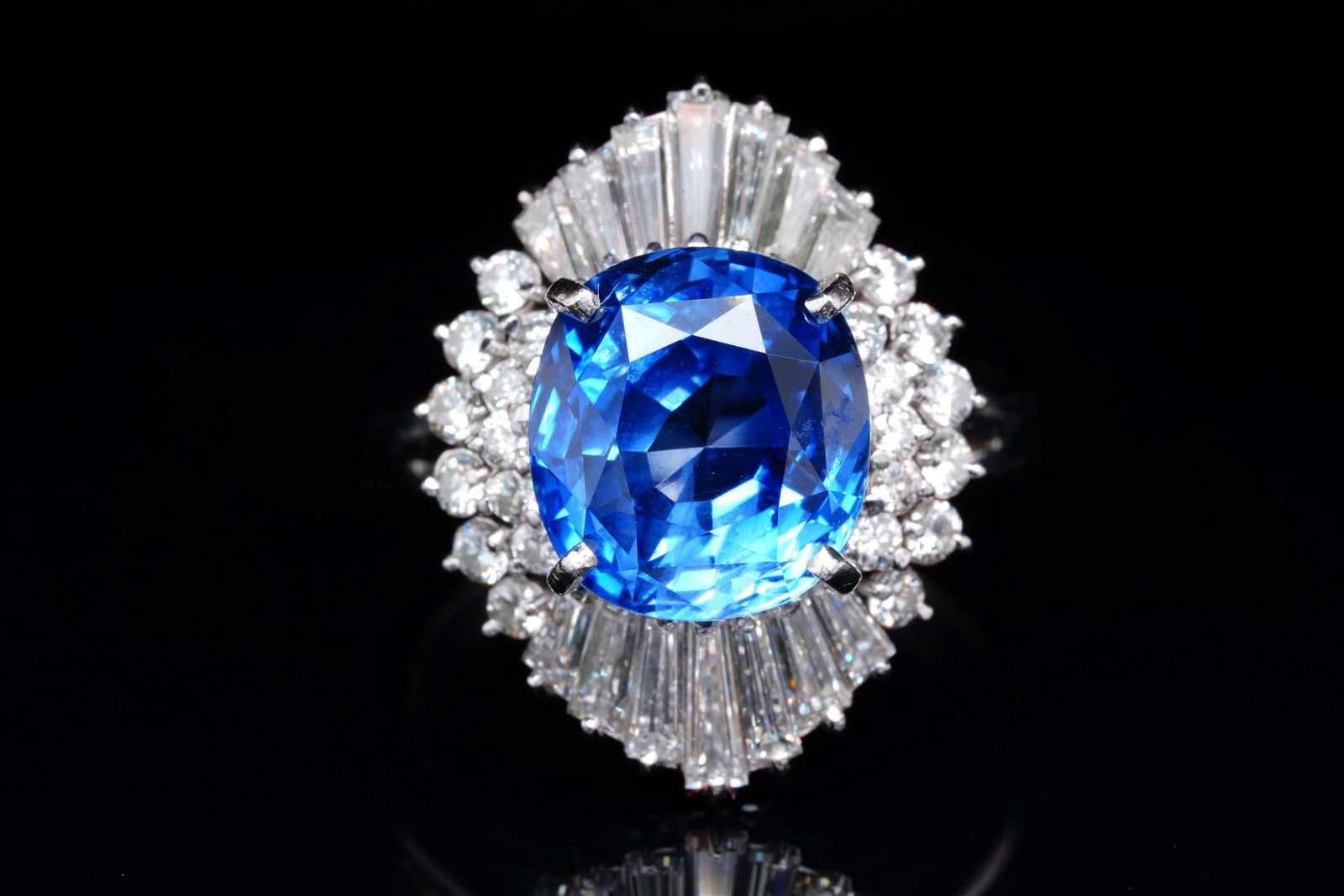 5.57ct GIA No Heat Ceylon Sapphire & Diamond Ring