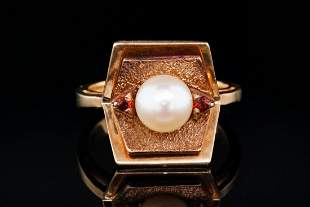 6.5mm Pearl & 10K Yellow Gold Ring W/Garnet Accents