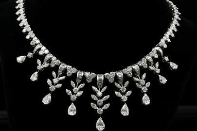 43.00ctw VS1-SI1/G-J Diamond & Platinum Necklace