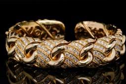 Bvlgari 8.00ctw VS1-VS2/F-G Diamond & 18K Bracelet