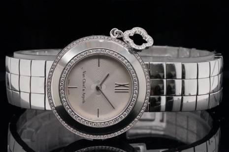 Van Cleef & Arpels Diamond 18K 32mm Alhambra Watch