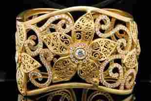 Kieselstein-Cord 9.75ctw Diamond & 18K Flower Cuff