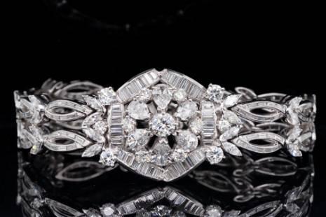 13.00ctw VS1-VS2/G-H Diamond and Platinum Bracelet