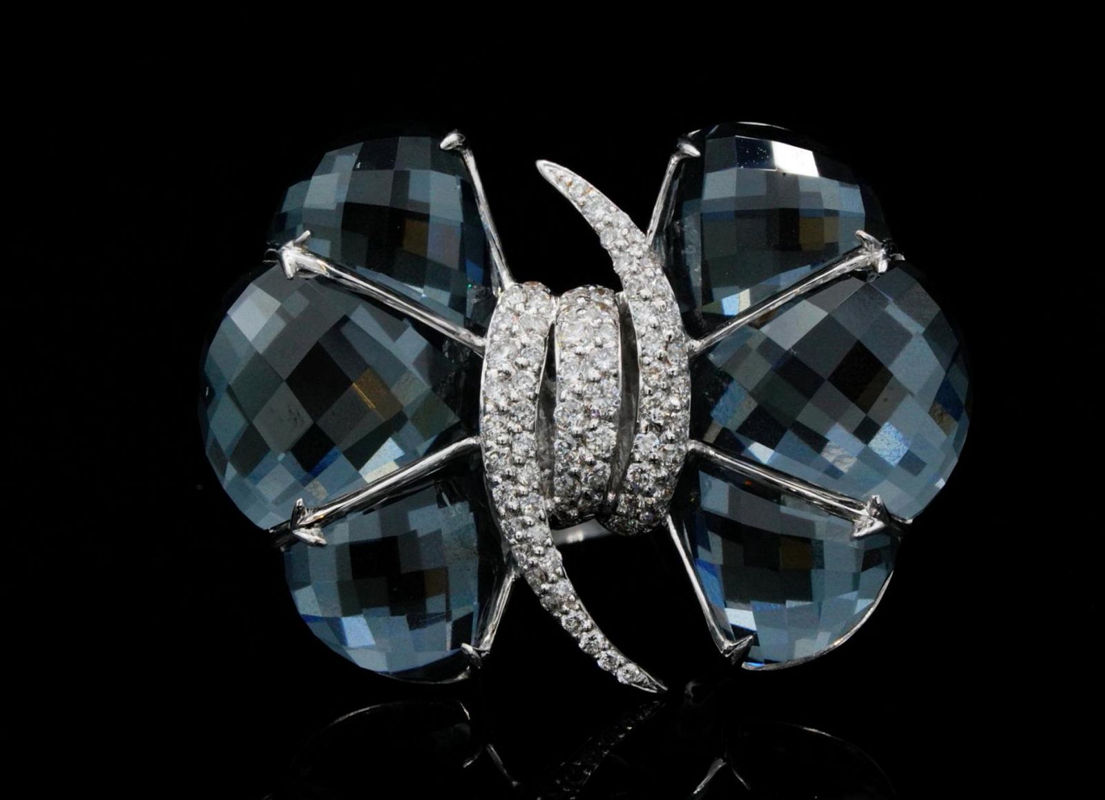 Stephen Webster Forget Me Knot 0.75ctw Diamond 18K Ring
