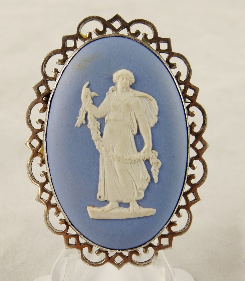 """15A: 1952""""Wedgewood""""Solid Sterling Silver Cameo"""
