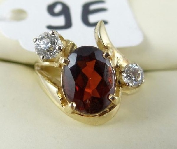 9E: 14K Gold 2.5CT Garnet & .5CTTW Diamond Ring