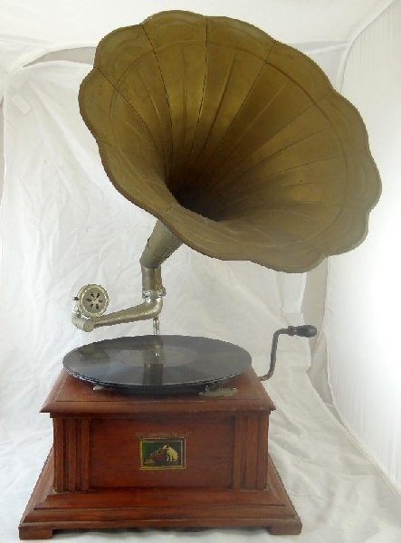 1: Victor Talking Machine Wind-Up Phonograph