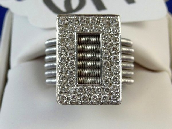 6A: 18K Gold Ring W/1.5CTTW Diamonds