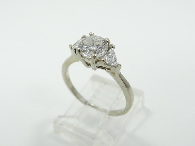 1.40ctw SI1-SI2/G-H Diamond & 14K Trilogy Ring