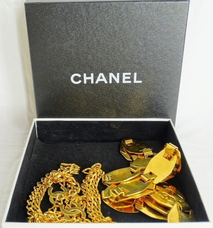 "Chanel Gold Tone Belt #97A W/""CC"" Logo & Other - 8"