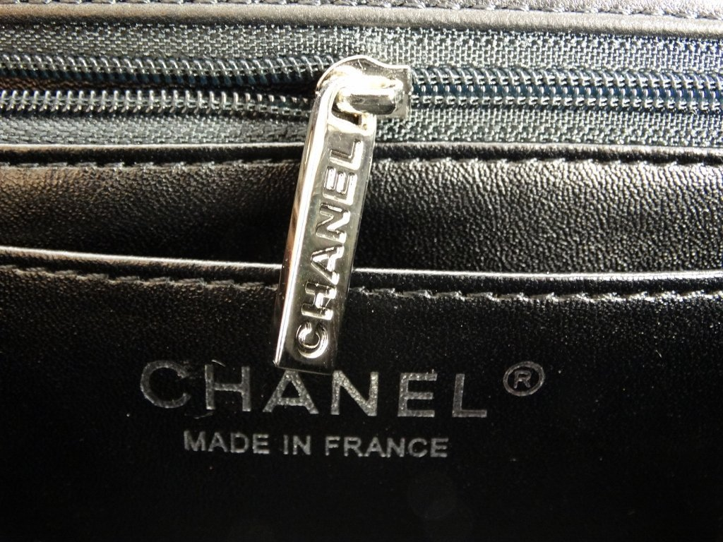 Chanel Black Patent Leather Runway Bag SOLD OUT - 7
