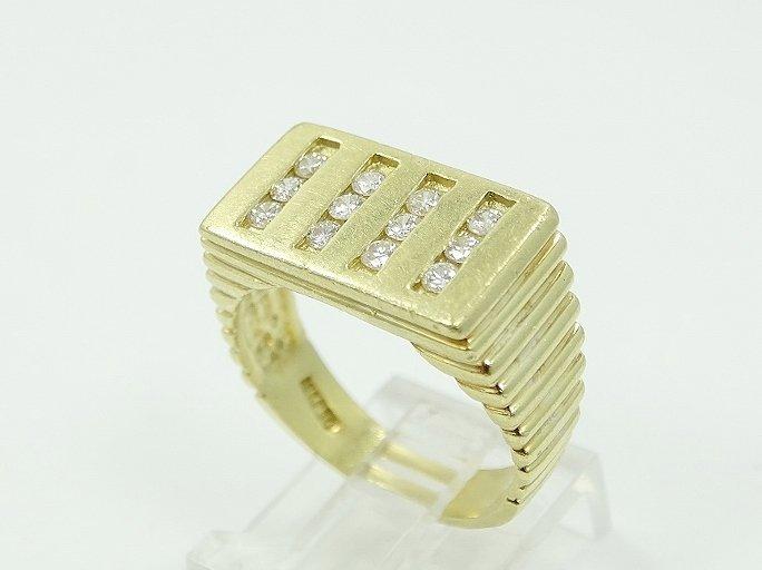 18K Men's Ring W/.60ctw SI1/G Diamonds Sz. 10