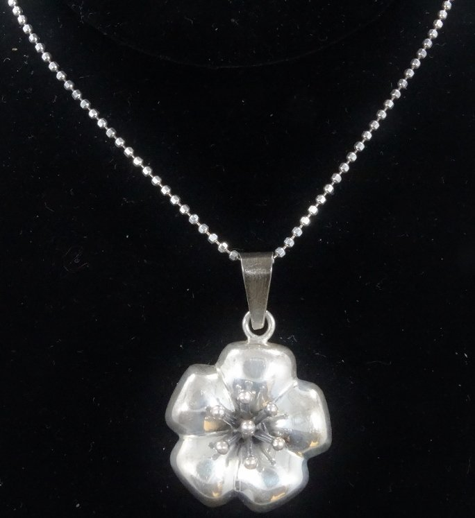 .925 Silver High-Relief Pendant on Popcorn Chain