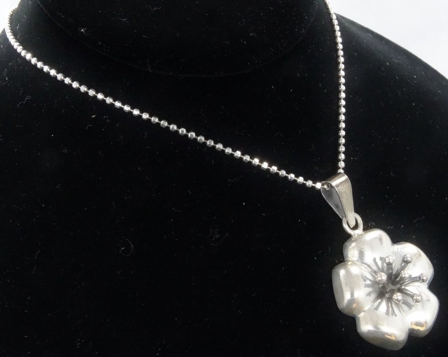 .925 Silver High-Relief Pendant on Popcorn Chain - 4