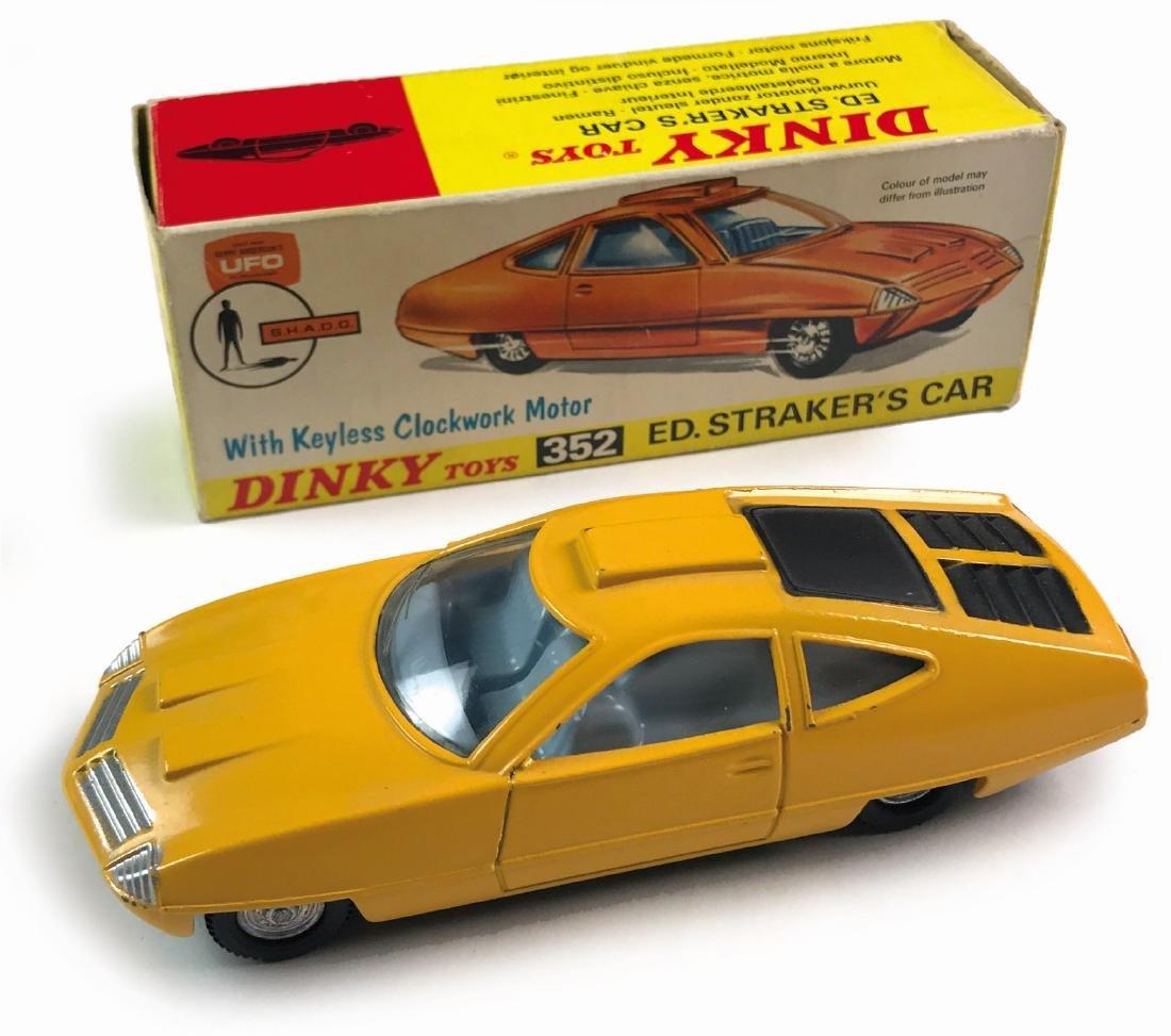 -  UFO Ed. Straker's Car & Dinky Toys n. 352