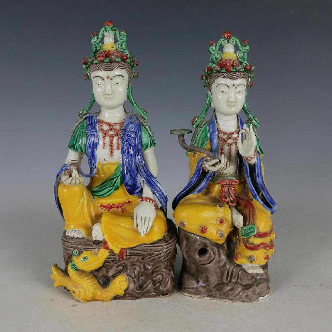 Two Nice Fahua Colours Porcelain Sitting Buddhas