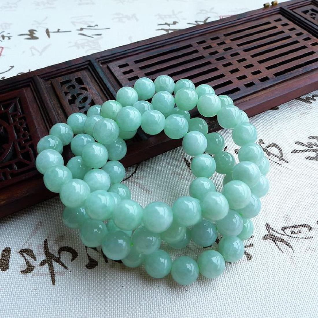 A Nice Nature Jadeite Necklace with Certificate