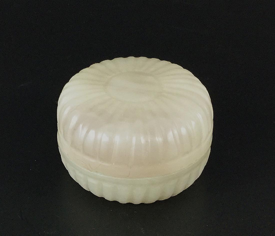 A Nice Hetian White Jade Box - 3