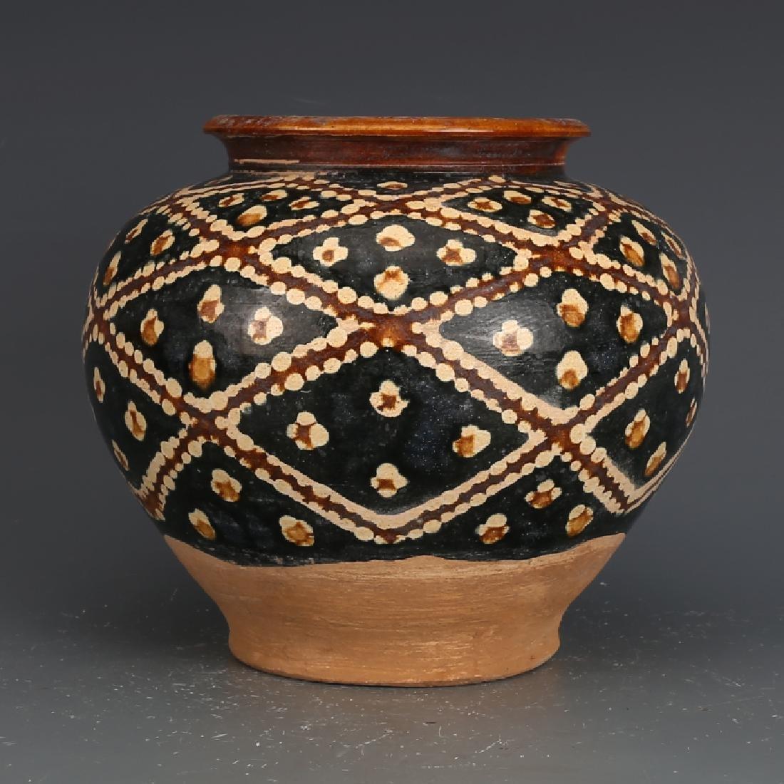 A Beautiful Tangsancai Jar - 2