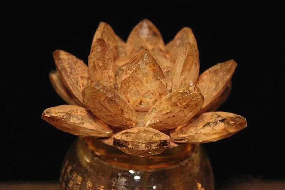 A Nice Crystal lotus sarira jar - 2