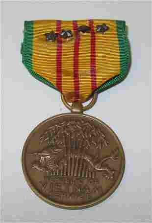 Republic of Vietnam Service Pin with Ribbon