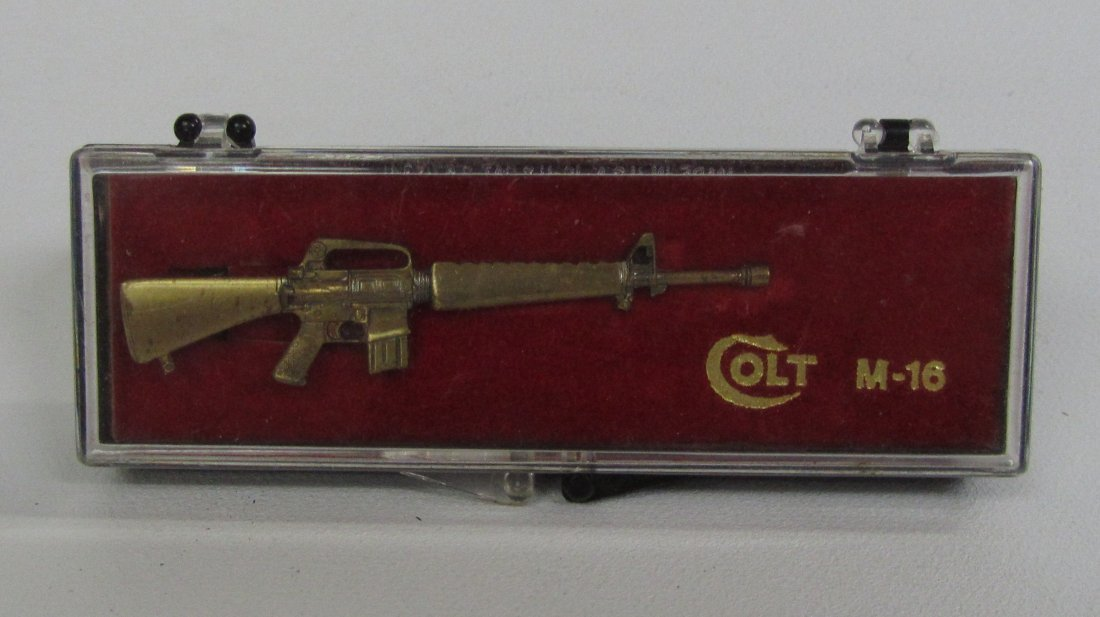 Colt M-16 Tie Clip & Case