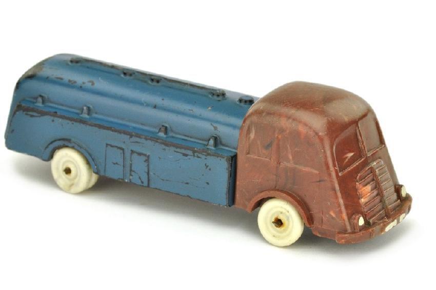 Tankwagen Fiat, helles mischbraun/blau lackiert