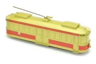StrassenbahnTriebwagen beigerot lackiert