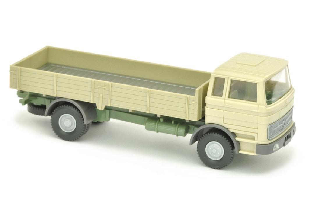MB 1620 Pritschen-LKW, h'elfenbein/resedagruen