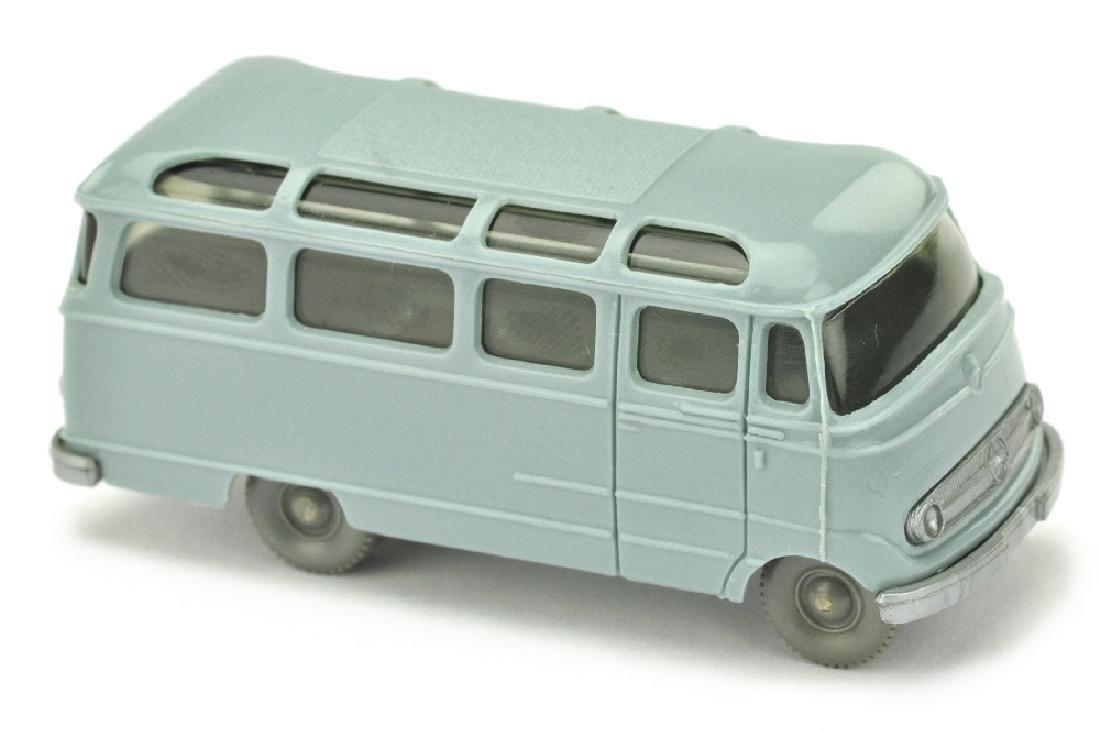 Mercedes L 319 Bus, hellgraublau