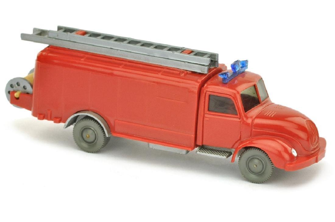Spritzenwagen Magirus, rot/silbern