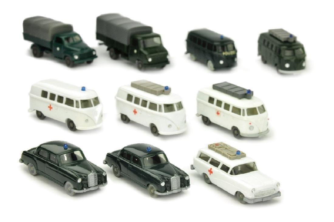 Konvolut 10 Einsatzfahrzeuge der 60er/70er Jahre