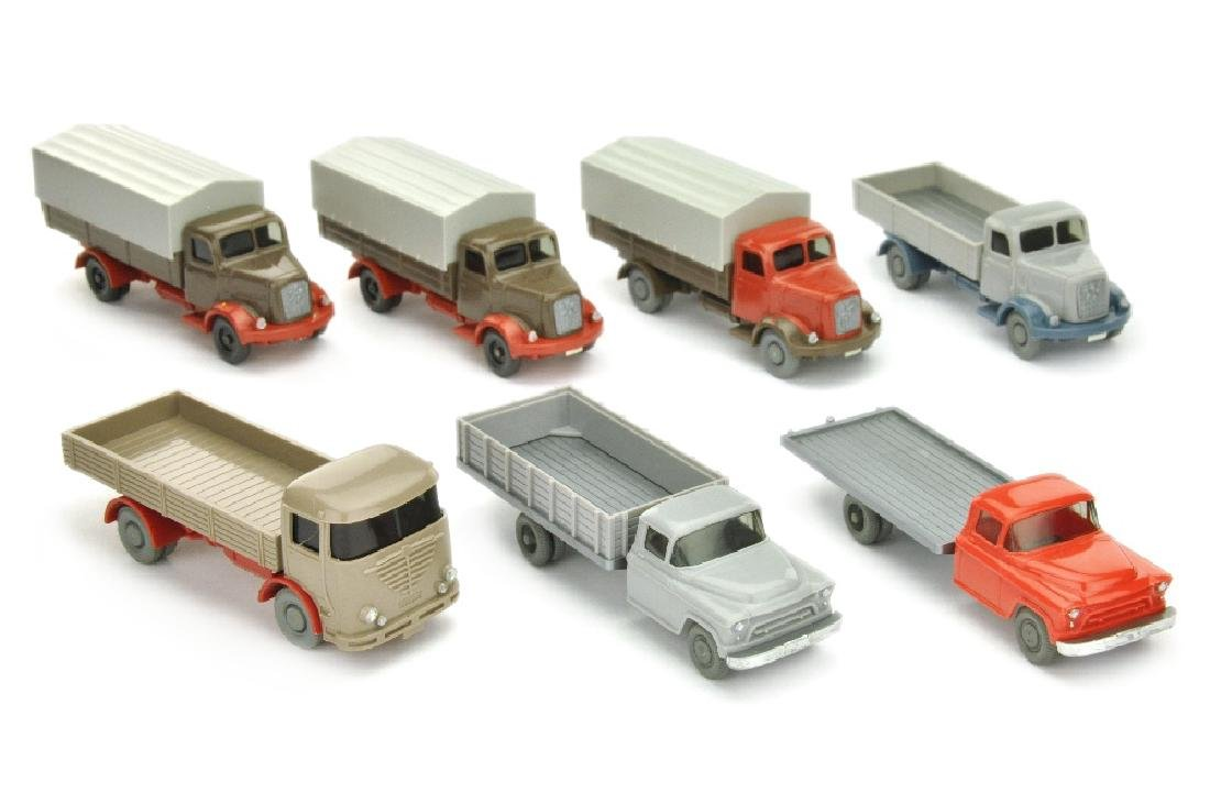 Konvolut 7 LKW der 60er Jahre (nur bemalt)