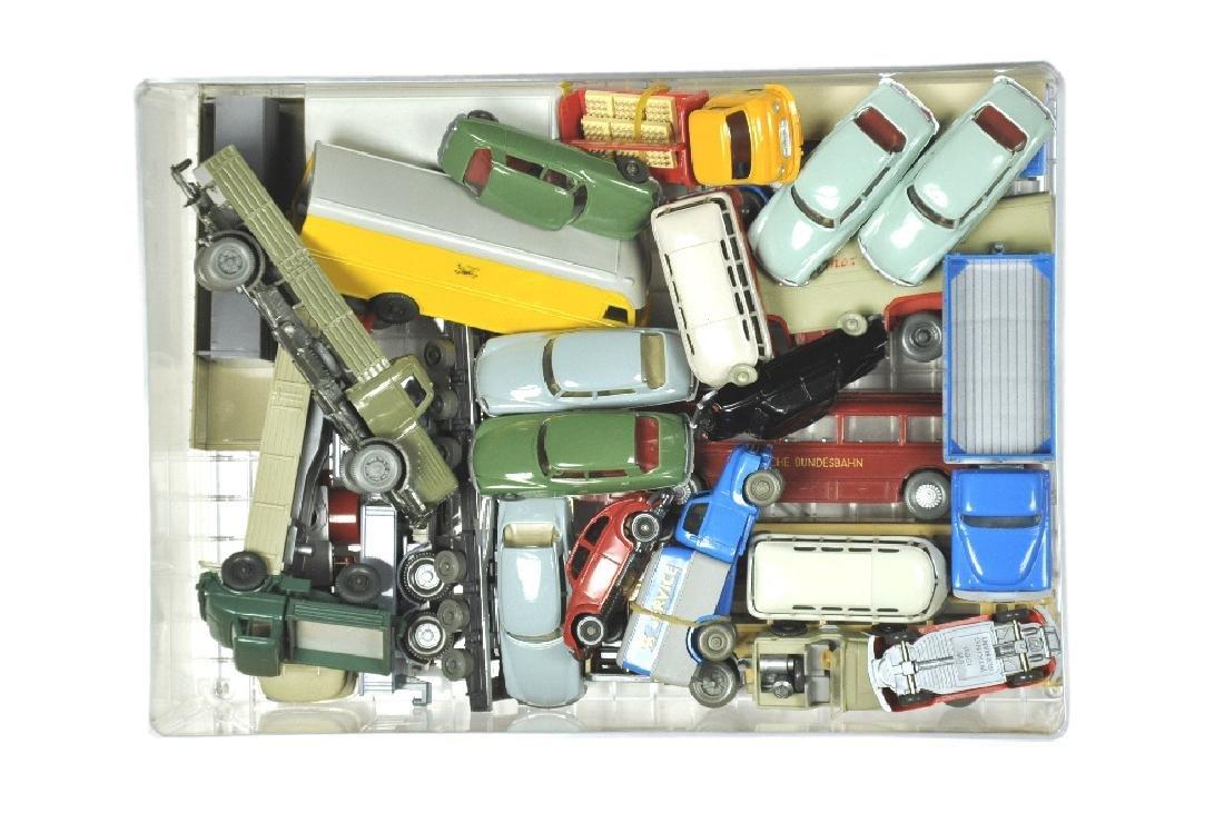 Konvolut 24 Modelle der 60er/70er Jahre