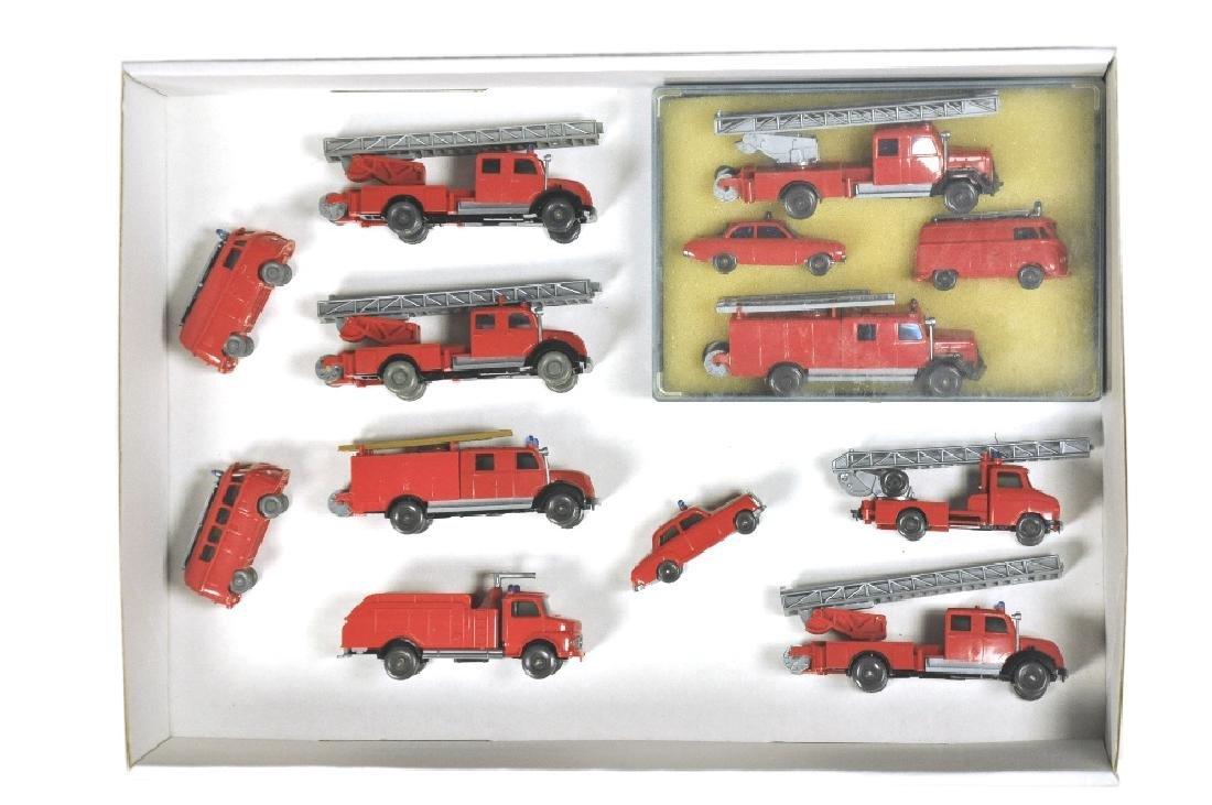 Konvolut 9+1 Feuerwehr-Modelle der 60er Jahre