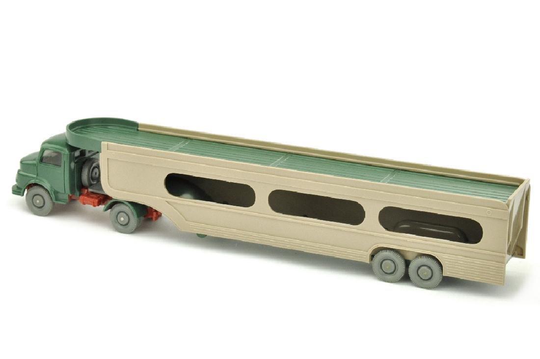 PKW-Transporter MB 1413, graugruen (im Ork) - 2