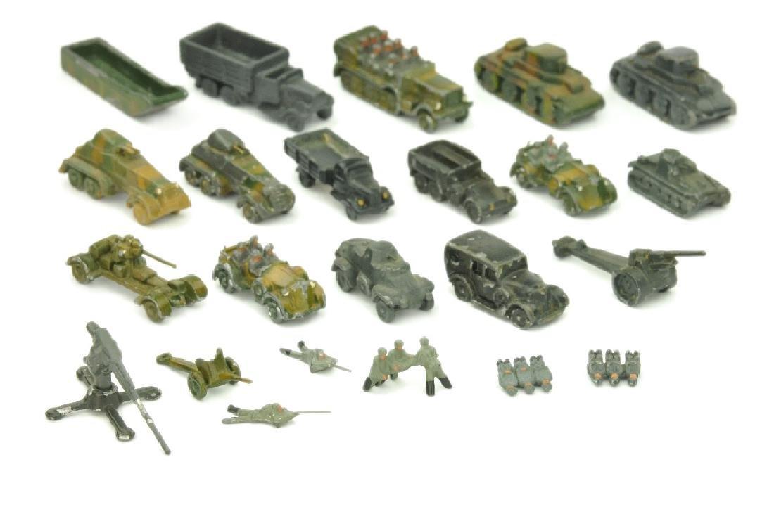 Konvolut 23 Wehrmachtsmodelle (1:200)